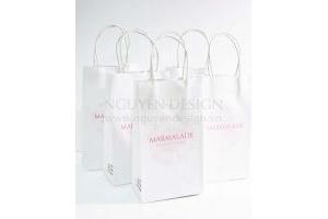Túi giấy Kraft trắng 150gsm, quai giấy trắng